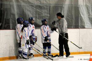 Mädchen_Eishockeykurs